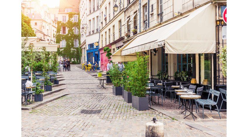 Фотообои Летнее кафе в Париже