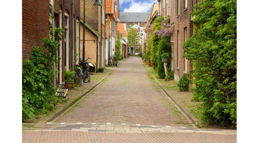 Фотообои Красочная улица в перспективе