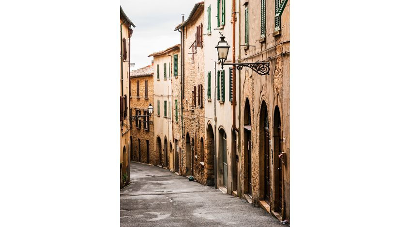 Фотообои Узкая улочка в Тоскане