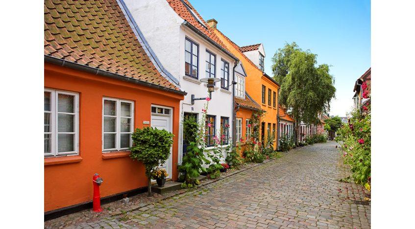 Фотообои Старая улочка Дании