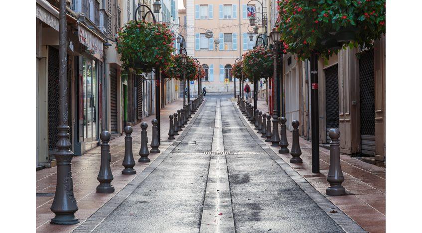 Фотообои Красивая улица в Франции