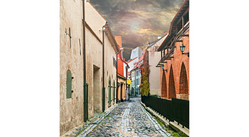 Фотообои Средневековая улица в старинном городе Рига