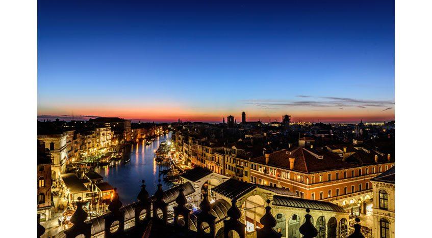 Фотообои Мост Риальто через Гранд-канал в Венеции
