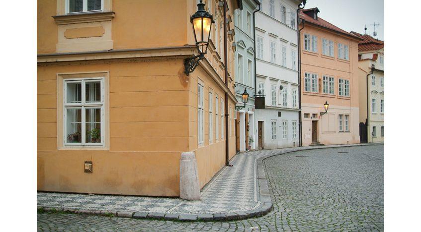 Фотообои Дворик в Праге
